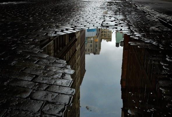 cobblestone-puddle